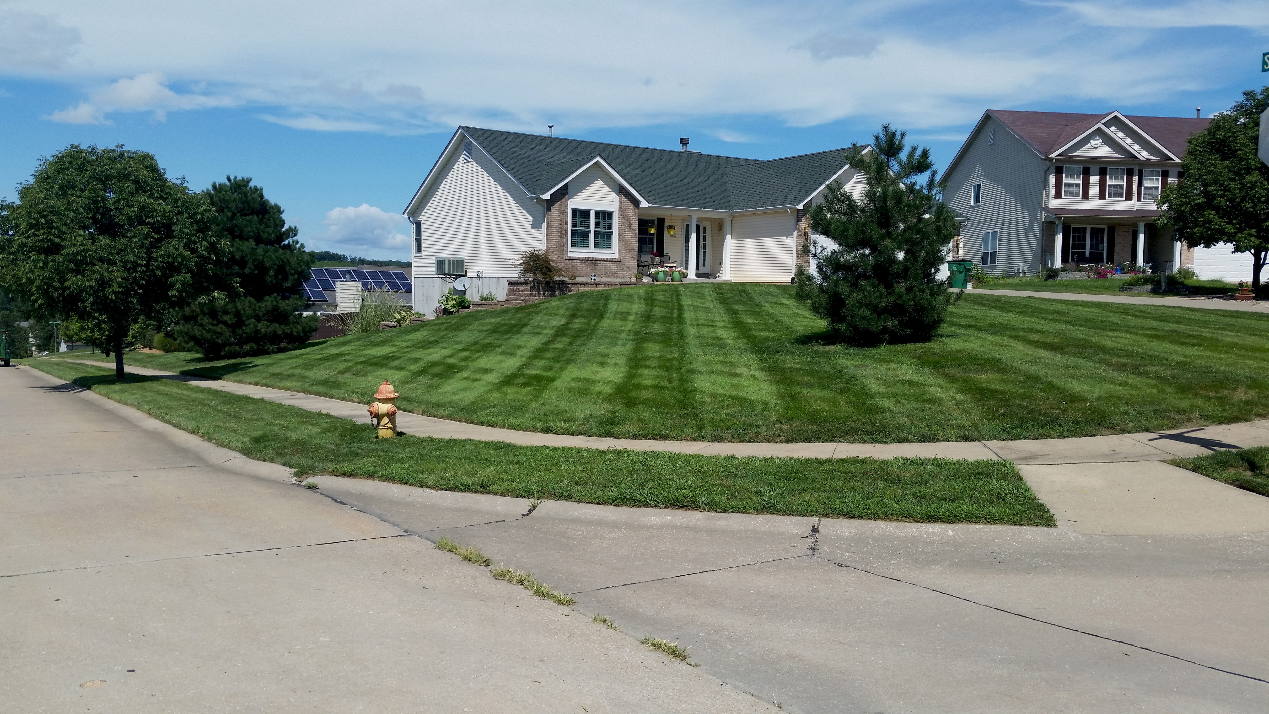 Yard mowing company in Villa Ridge, MO, 63089