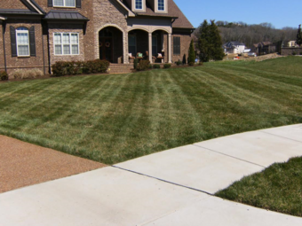 Yard mowing company in Hendersonville, TN, 37075