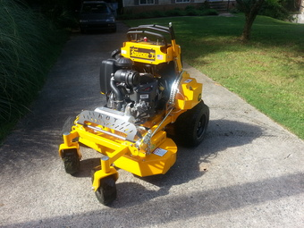 Yard mowing company in Charlotte, NC, 28212