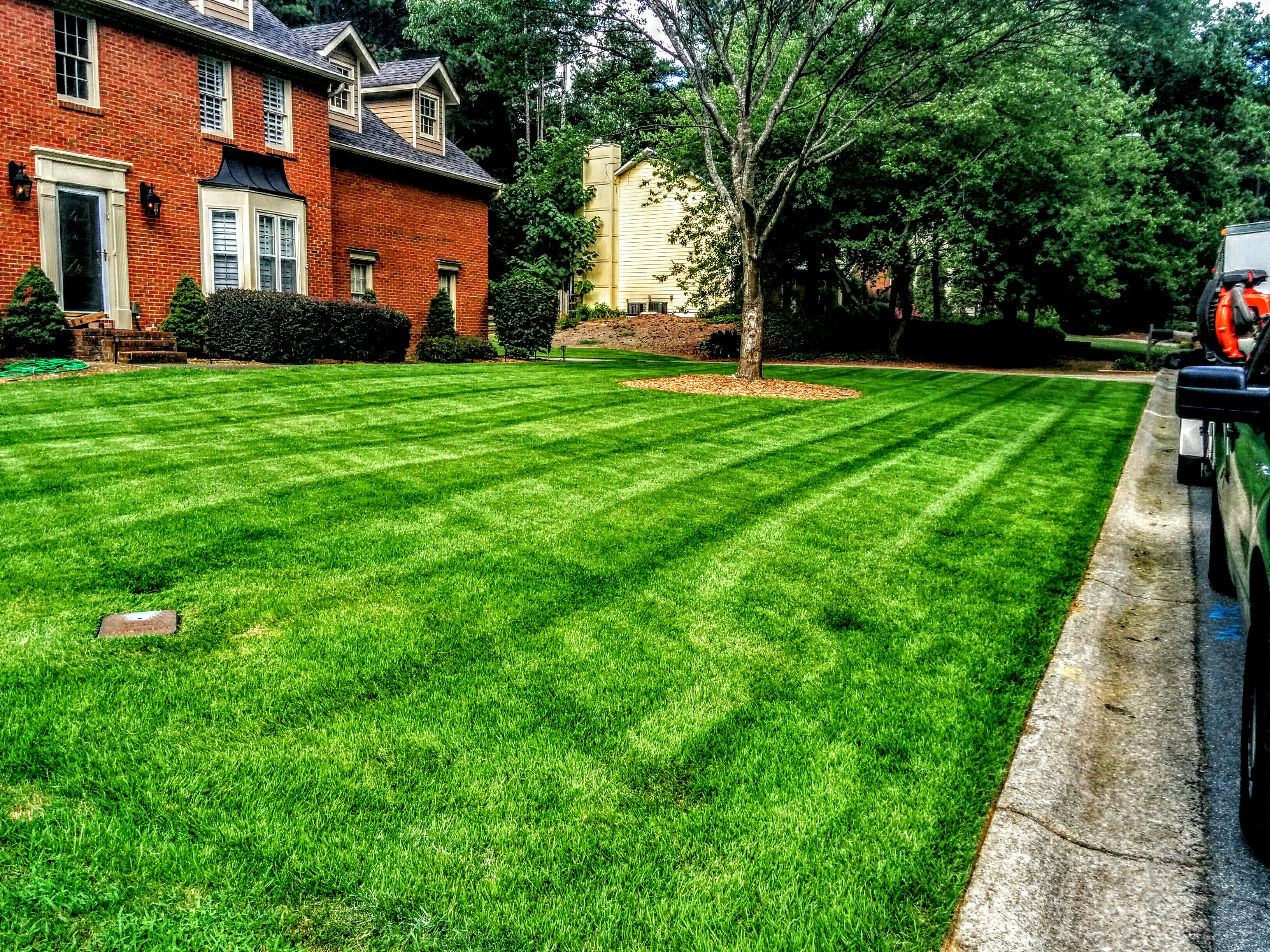 Yard mowing company in Marietta, GA, 30062