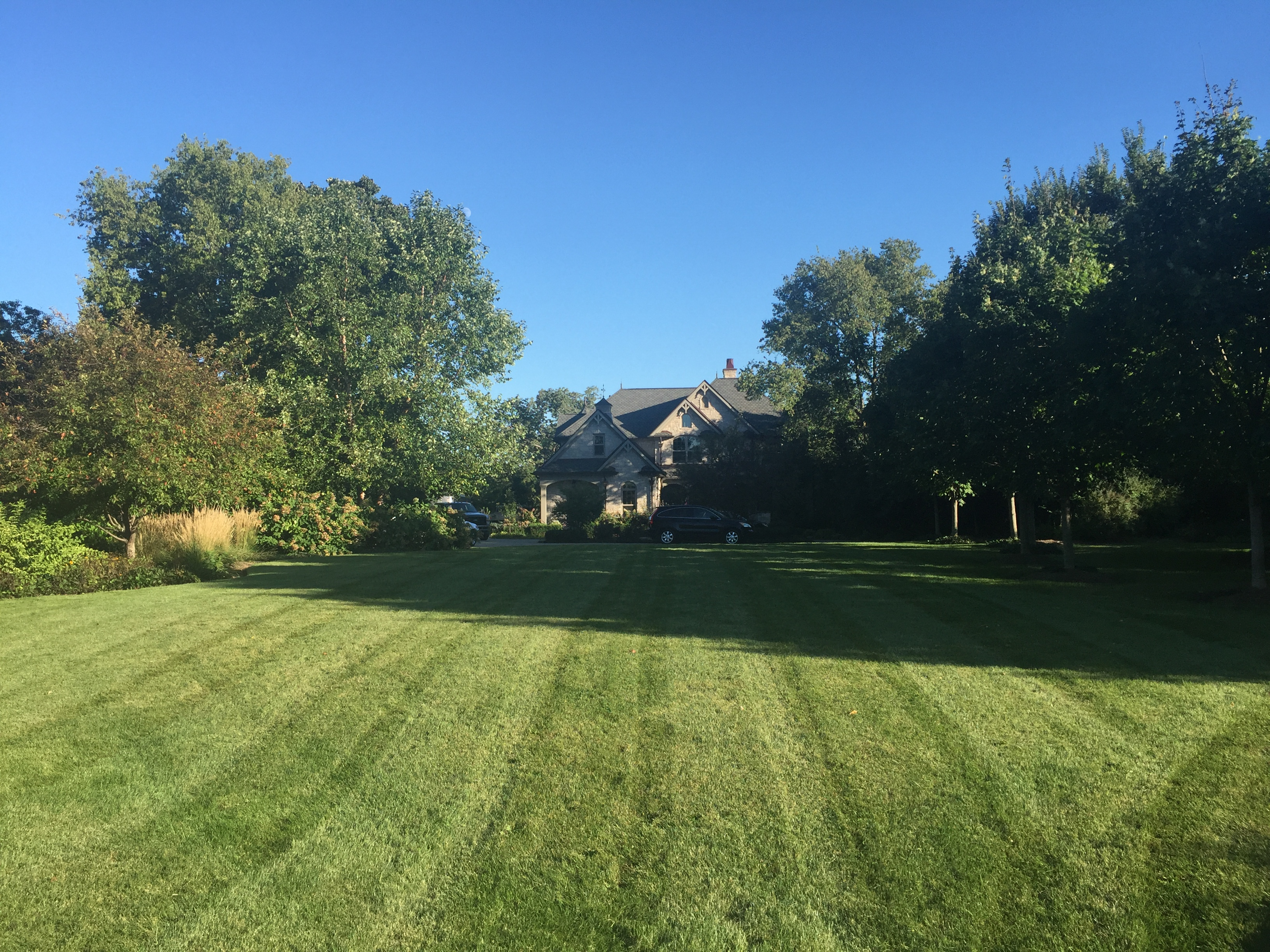 Yard mowing company in Yorkville, IL, 60560