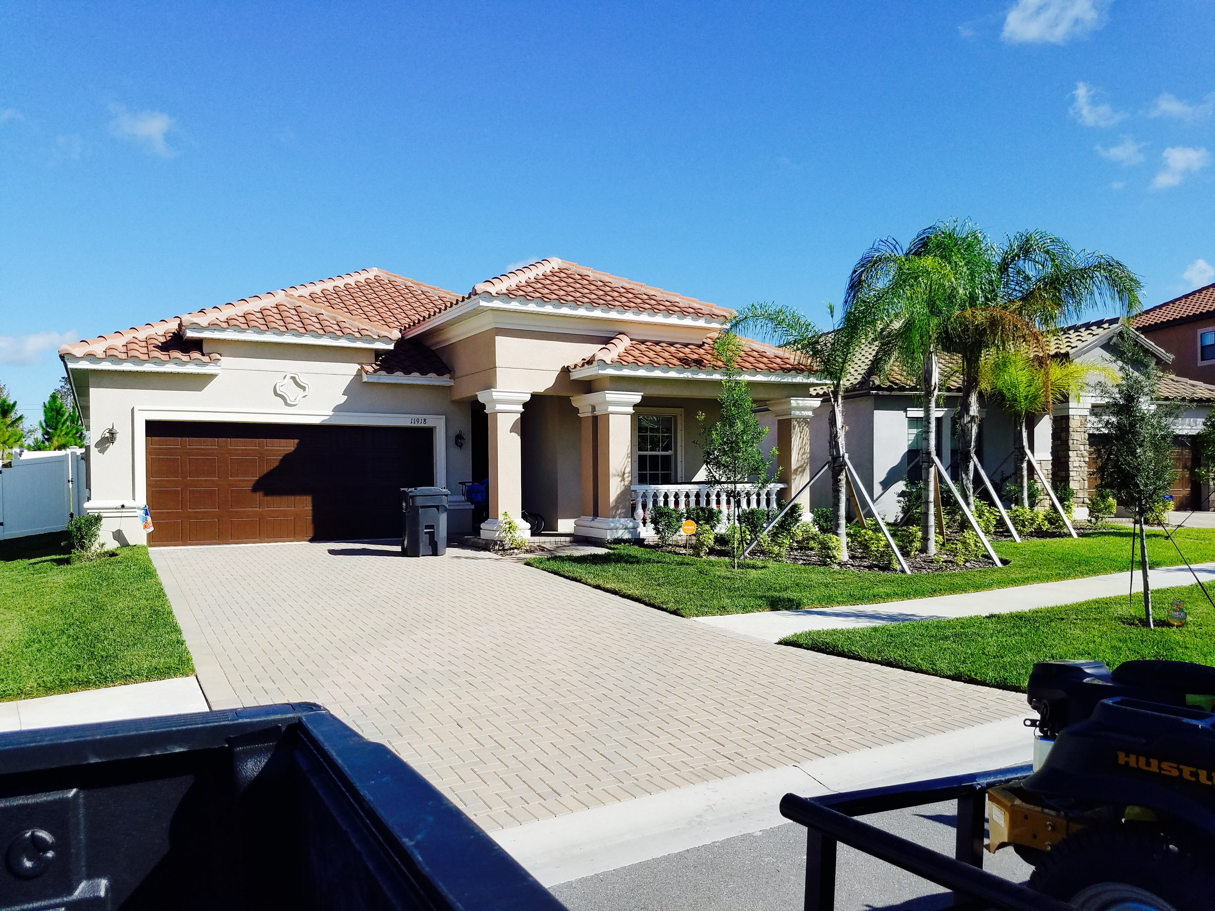 Yard mowing company in Riverview, FL, 33579