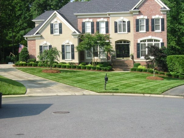 Yard mowing company in Charlotte, NC, 28226