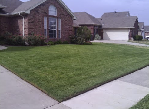 Yard mowing company in Lakeside, TX, 76020