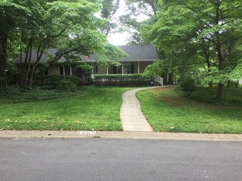 Yard mowing company in Charlotte, NC, 28209