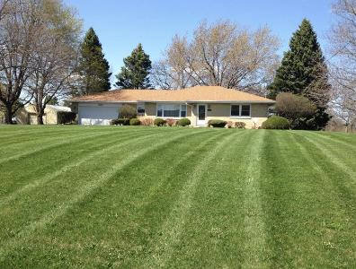 Yard mowing company in Zion, IL, 60099