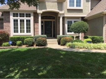 Yard mowing company in Houston, TX, 77084
