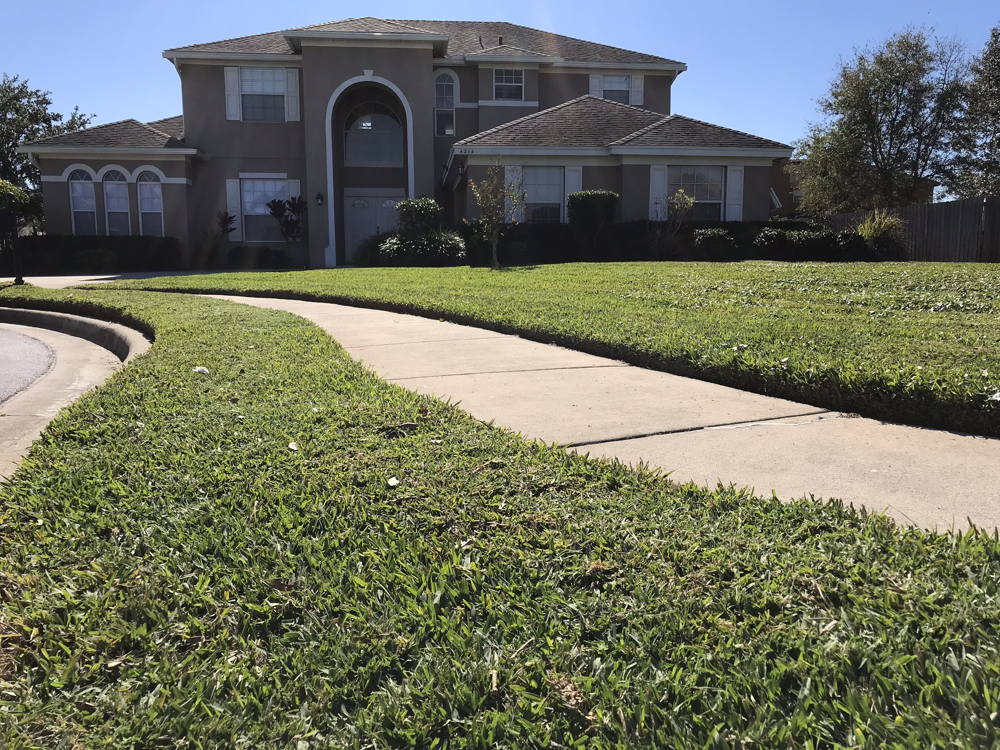 Yard mowing company in Kissimmee , FL, 34758