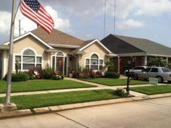 Yard mowing company in Chalmette, LA, 70043