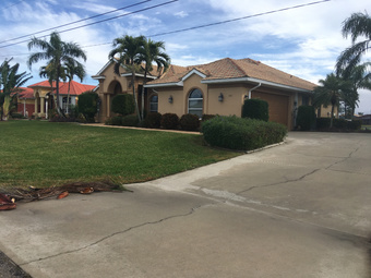 Yard mowing company in N. Fort Myers, FL, 33918