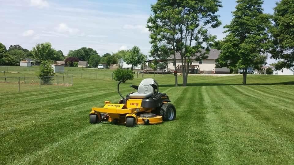 Yard mowing company in Hendersonville , TN, 37075