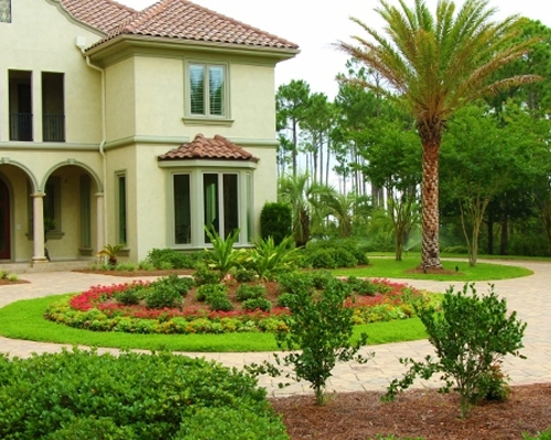 Yard mowing company in Bradenton, FL, 34207