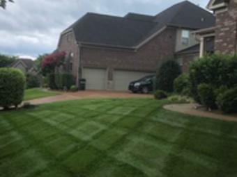 Yard mowing company in Hendersonville, TN, 37075