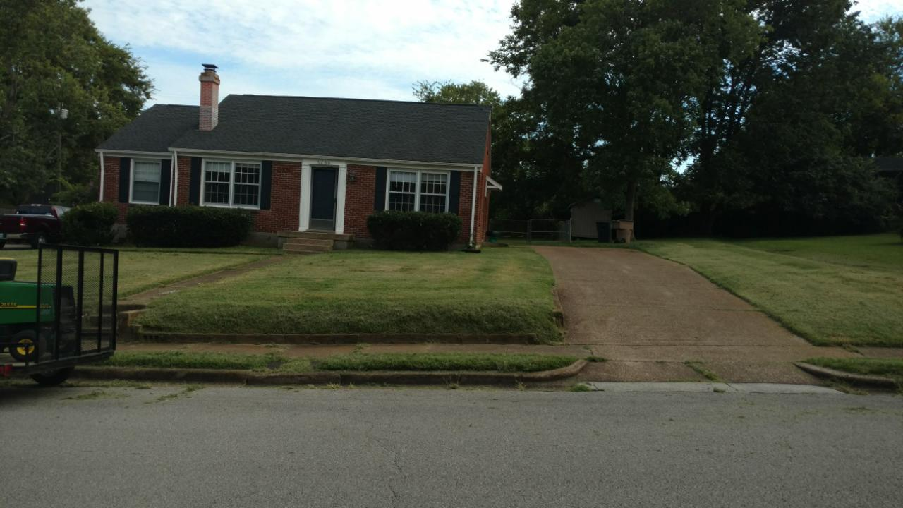 Yard mowing company in Nashville, TN, 37209