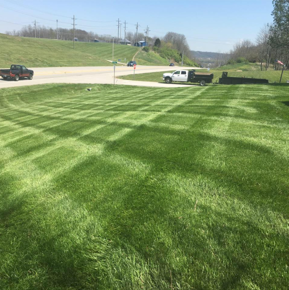 Yard mowing company in Lawrenceburg, IN, 47018