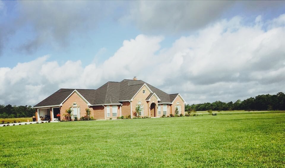 Yard mowing company in Cleveland , TX, 77327