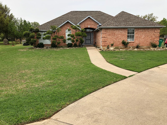 Yard mowing company in Burleson , TX, 76028