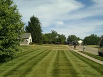 Yard mowing company in Reynoldsburg, OH, 43068