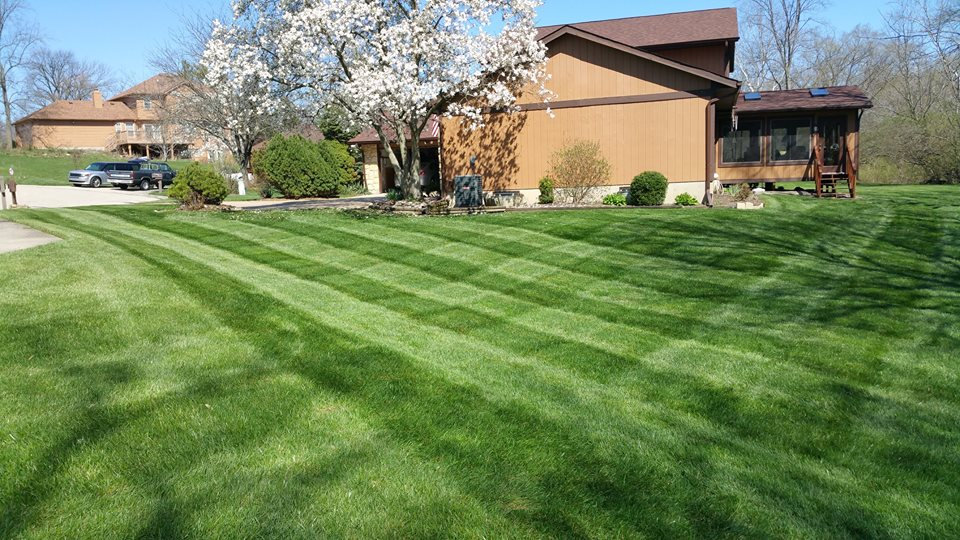 Yard mowing company in Fairfield, OH, 45014