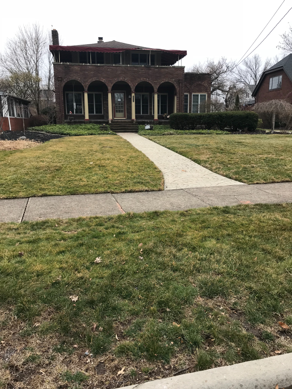 Yard mowing company in Cleveland, OH, 44135