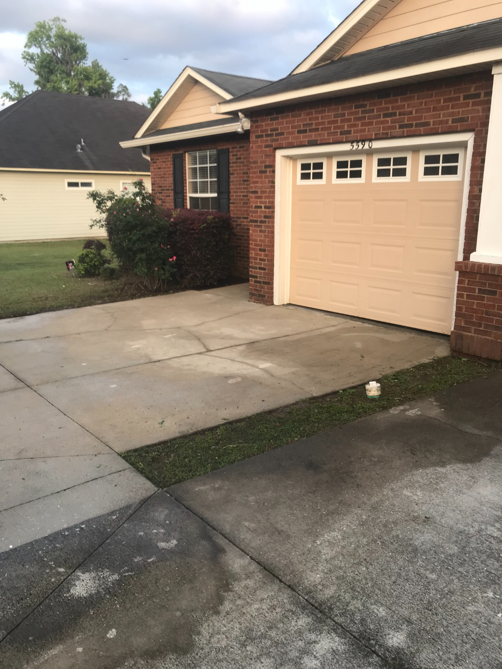 Yard mowing company in Tallahassee, FL, 32303