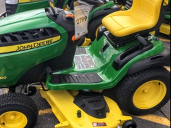Yard mowing company in Mooresville, IN, 46158