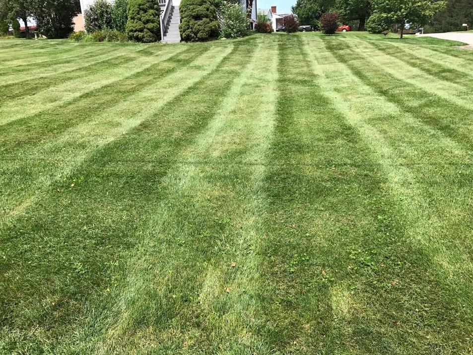 Yard mowing company in Oakdale, PA, 15071