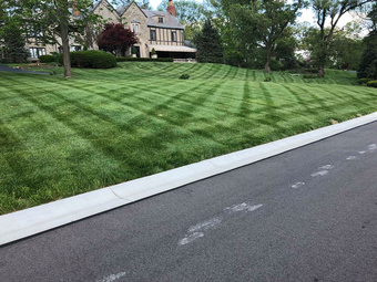 Yard mowing company in Hamilton, OH, 45013