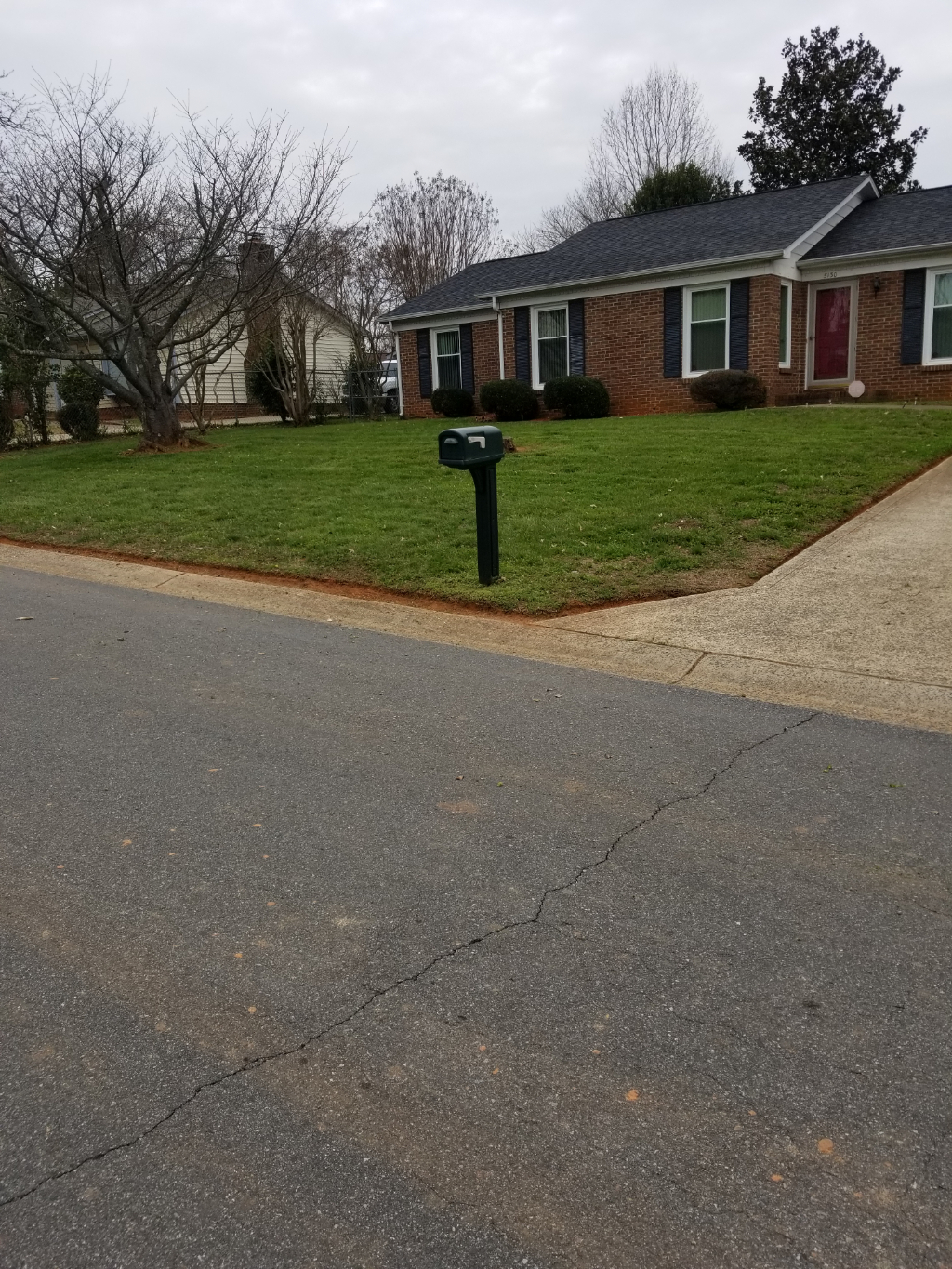 Yard mowing company in Charlotte , NC, 28269