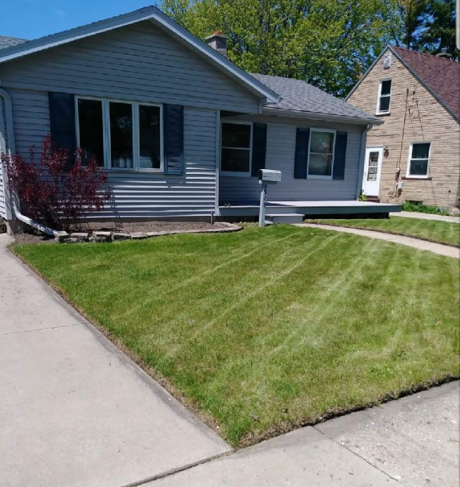 Yard mowing company in Kenosha, WI, 53140