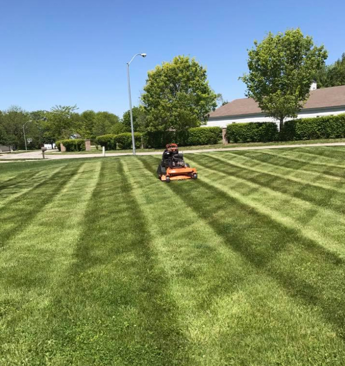 Yard mowing company in Liberty, MO, 64068