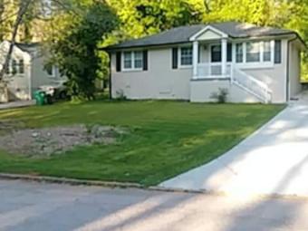 Yard mowing company in Atlanta, GA, 30315