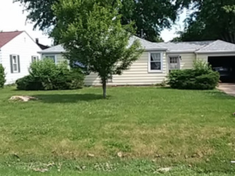 Yard mowing company in Peoria, IL, 61605