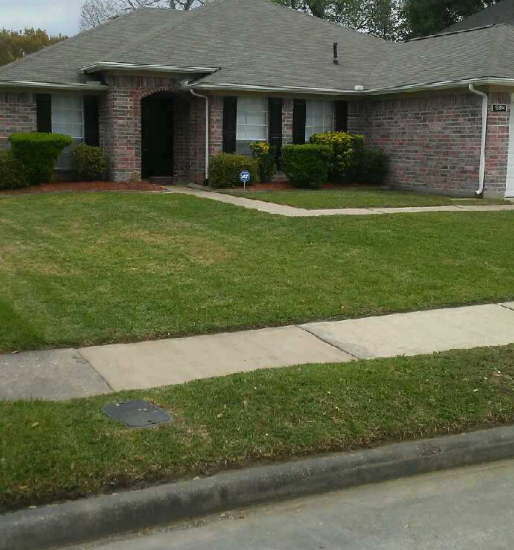 Yard mowing company in Houston, TX, 77026