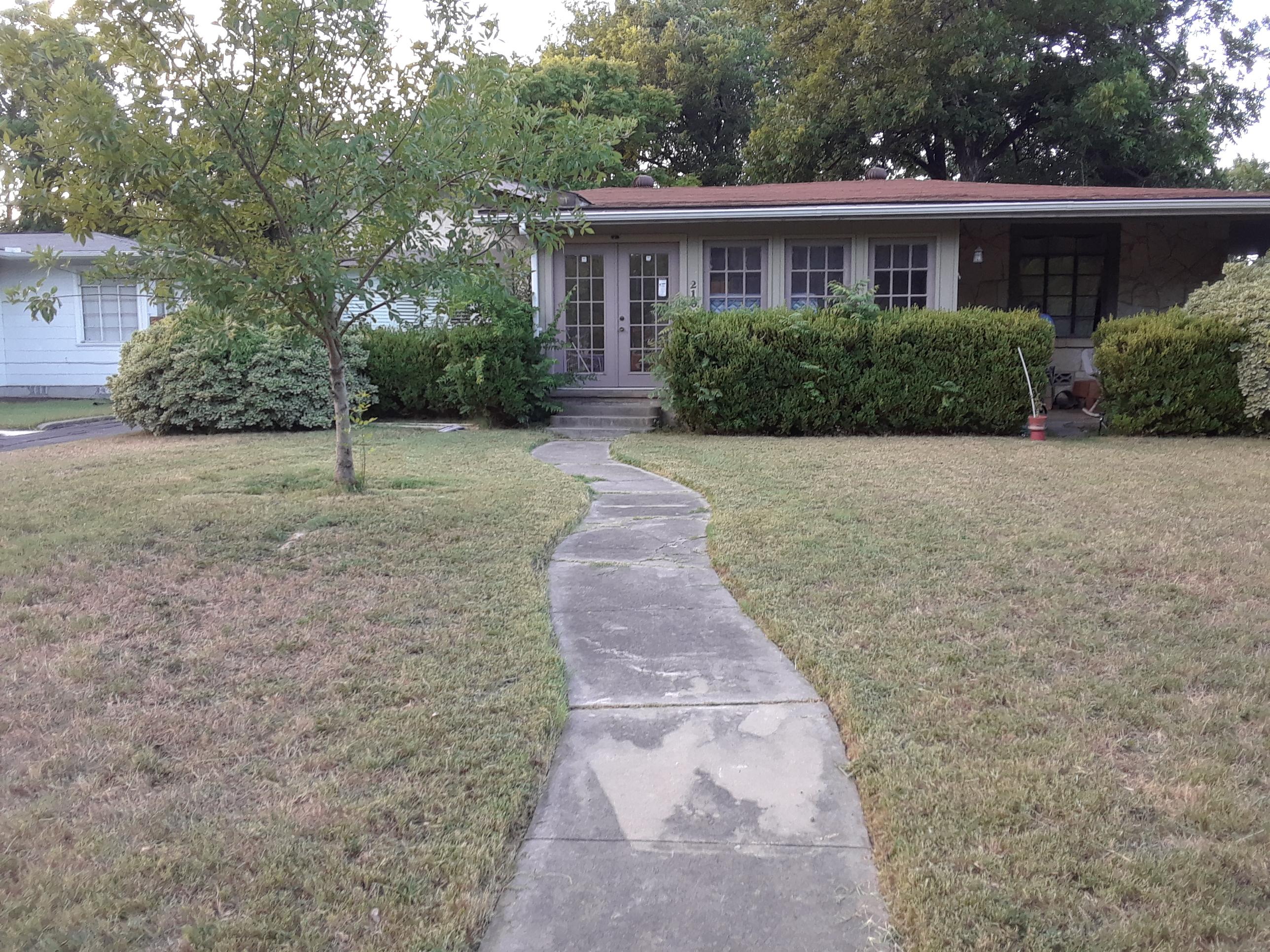Yard mowing company in San Antonio, TX, 78203