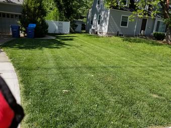 Yard mowing company in Gladstone, MO, 64118
