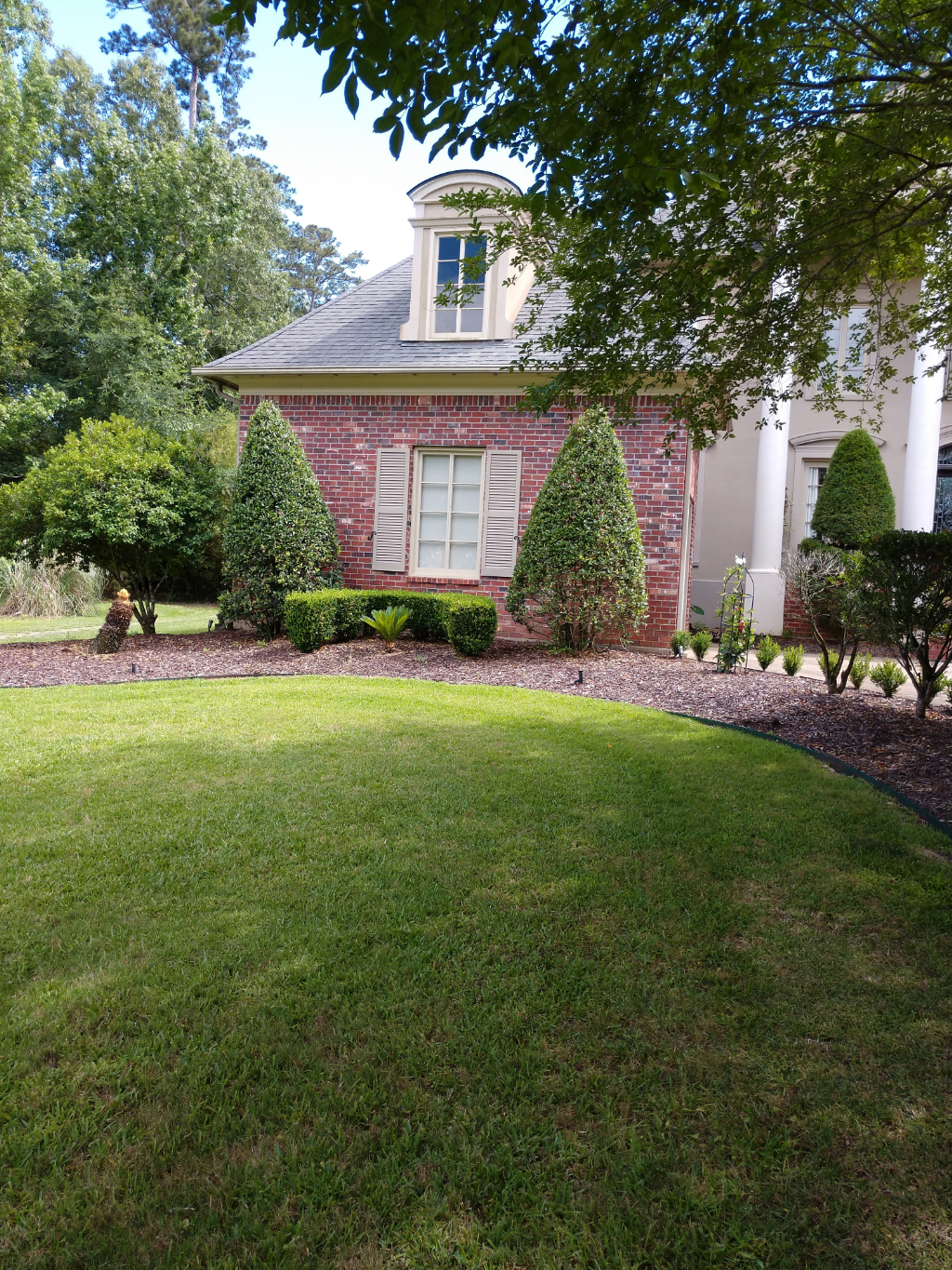 Yard mowing company in Anita Springs, LA, 70420