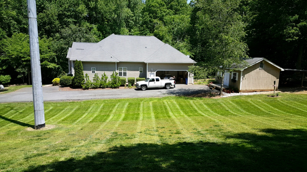 Yard mowing company in Midland, NC, 28107