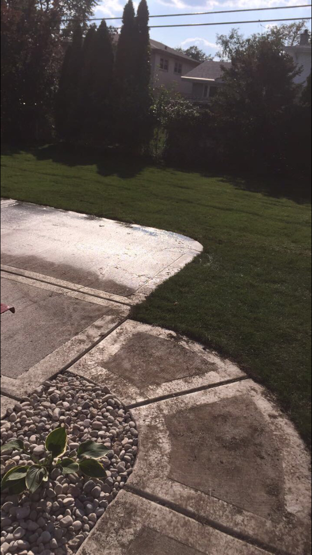 Yard mowing company in Chicago , IL, 60629