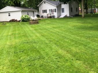 Yard mowing company in Aurora, IL, 60505