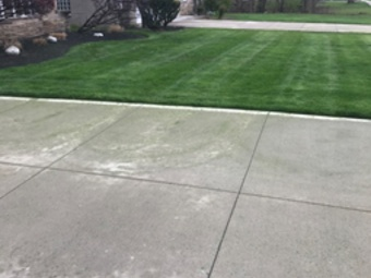 Yard mowing company in Cleveland, OH, 44102