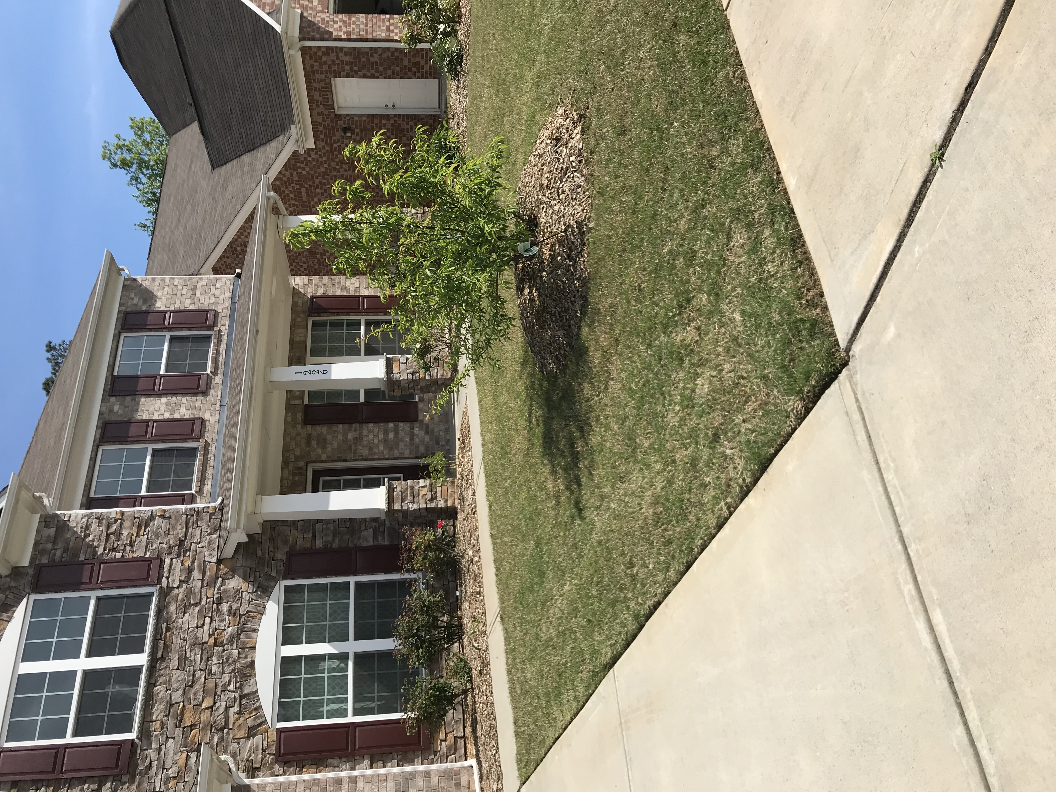Yard mowing company in Lawrenceville , GA, 30044