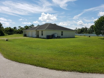 Yard mowing company in Fort Myers, FL, 33905