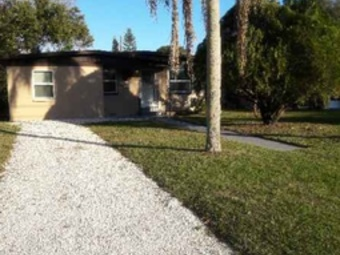 Yard mowing company in Kenneth City, FL, 33713