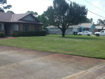 Yard mowing company in Pensacola, FL, 32514