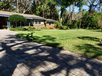 Yard mowing company in Melbourne, FL, 32935