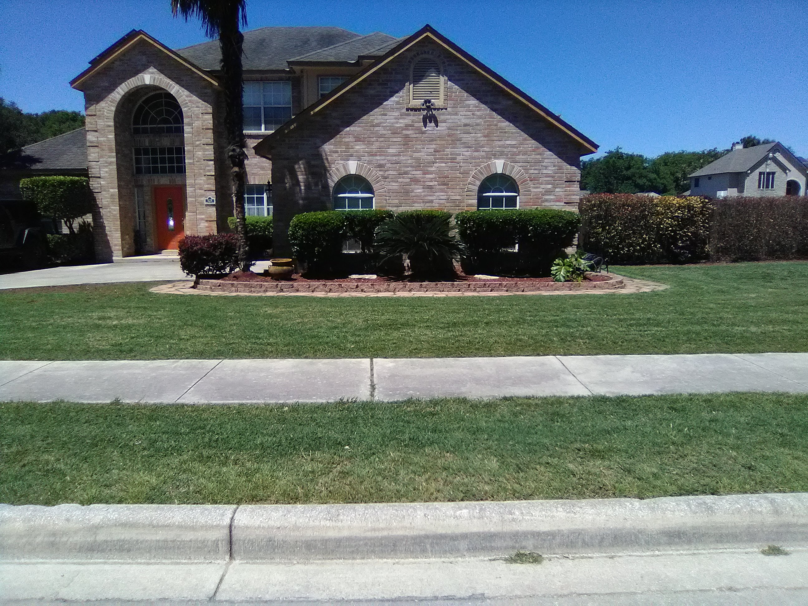 Yard mowing company in San Antonio, TX, 78221