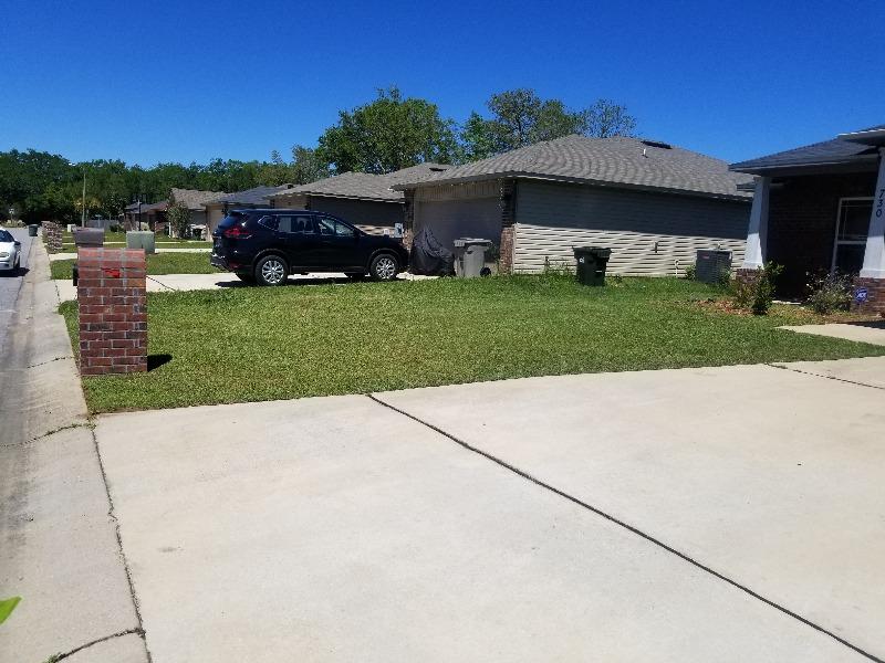 Yard mowing company in Pensacola, FL, 32503