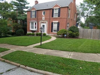 Yard mowing company in St. Louis, MO, 63132