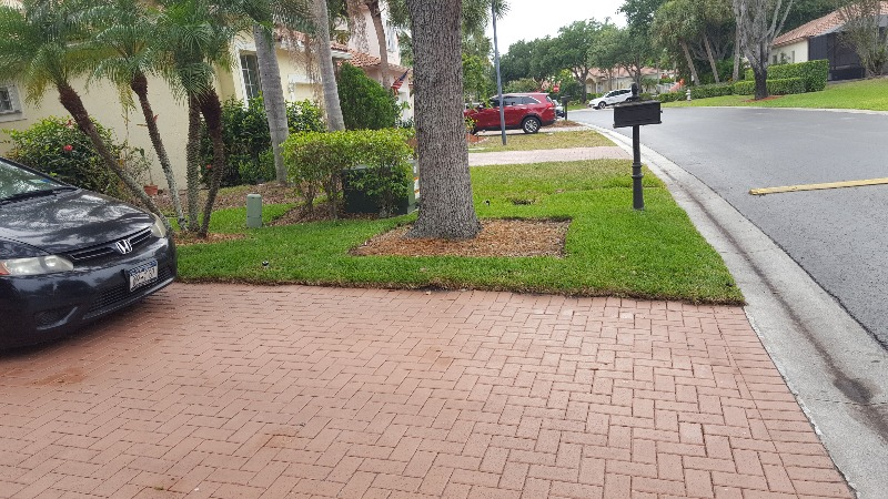 Yard mowing company in Tamarac, FL, 33321